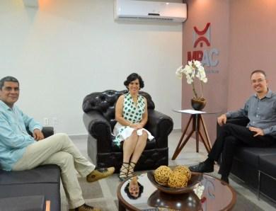 Deputado Léo de Brito faz visita à procuradora e coloca mandato à disposição do MP acreano