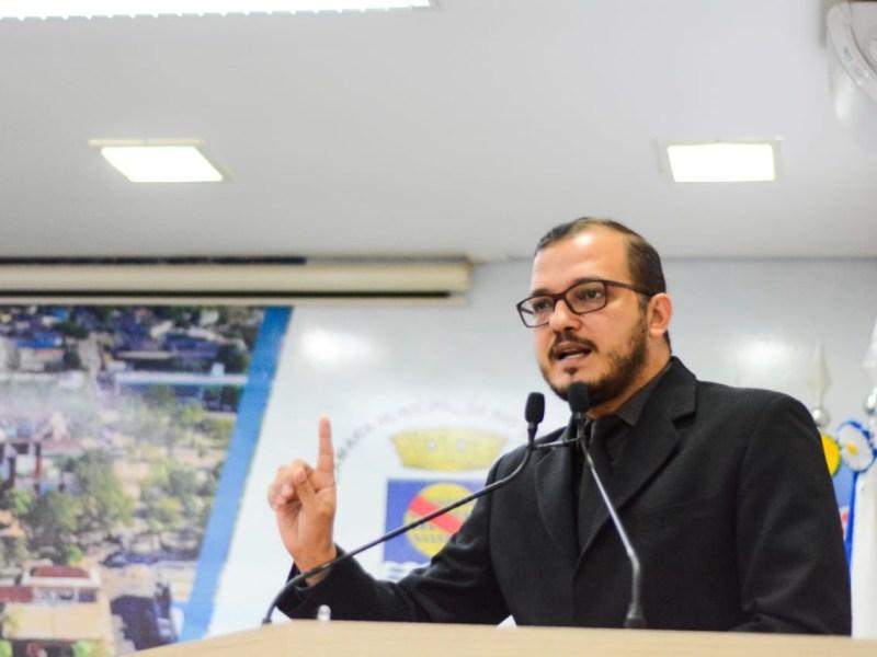 """""""A omissão do Estado matou mais um jovem em Rio Branco"""", diz Forneck na Câmara"""