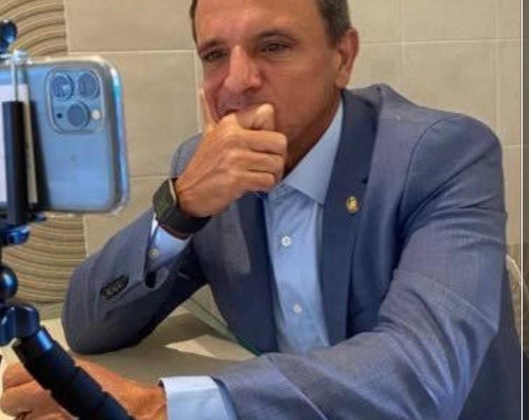 Marcio Bittar foi o senador que mais gastou dinheiro público em 2020