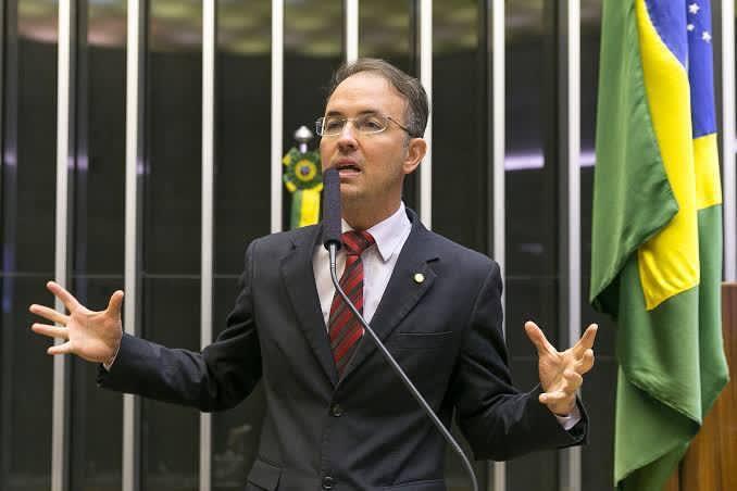 Leo de Brito cobra medidas urgentes do governo federal para evitar apagão no Acre