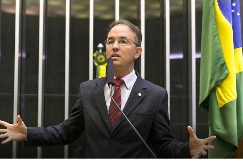Léo de Brito toma posse amanhã (6) e reforça a Bancada do PT na Câmara