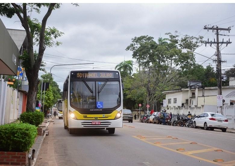 Aporte da prefeitura em empresas garante 114 ônibus na pandemia e teve aval de órgão de controle, assessoria
