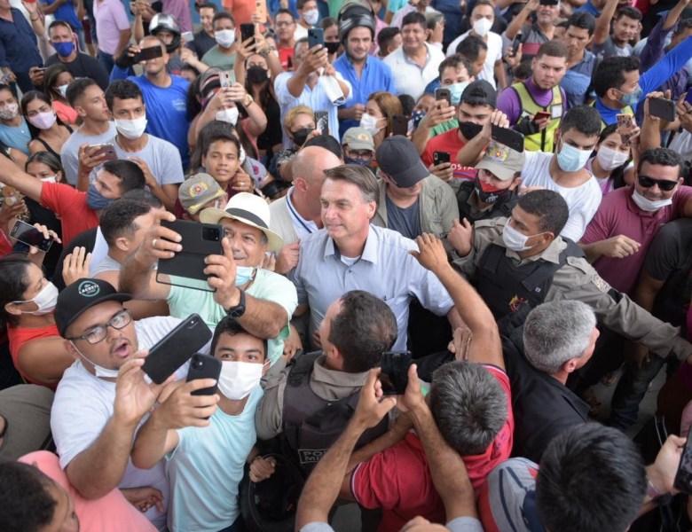 Leo de Brito denuncia Bolsonaro por crimes contra a saúde pública cometidos no Acre