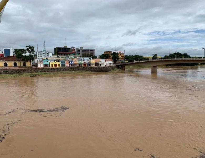 Enchentes podem agravar quadro de pandemia na fronteira, alertam cientistas