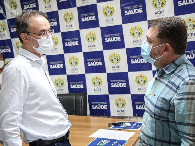 Leo de Brito anuncia R$ 1,7 milhão em emendas para ajudar no combate a pandemia