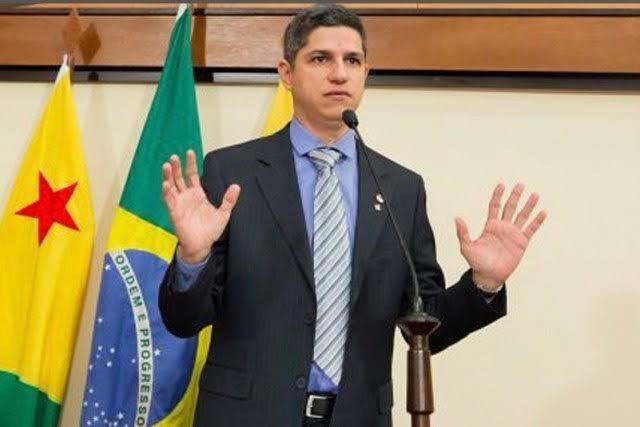 Fagner Calegário se reúne com governador para tratar sobre retirada de assinatura da CPI da Educação