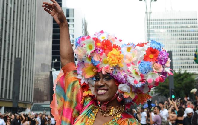 STF decide equiparar homofobia e transfobia ao crime de racismo.