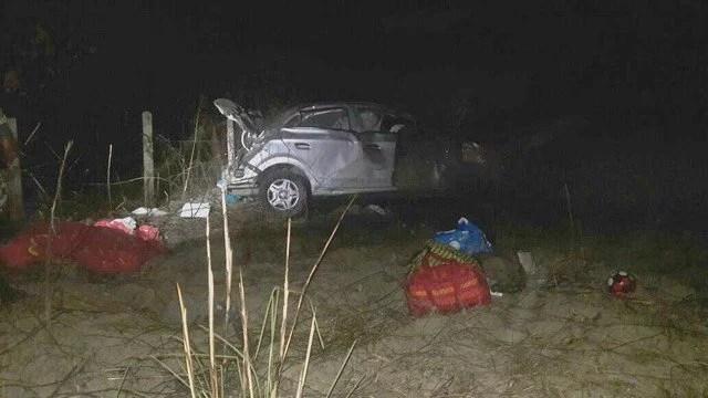 Carro de família capota e deixa dois mortos e três feridos na BR-174, em Rorainópolis, Sul de RR