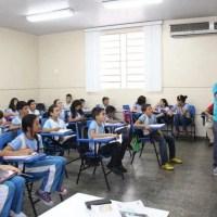 Seduc anuncia contratação temporária de 4 mil professores para 2020