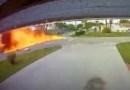Avião cai em avenida e mata três pessoas nos Estados Unidos. Vídeo