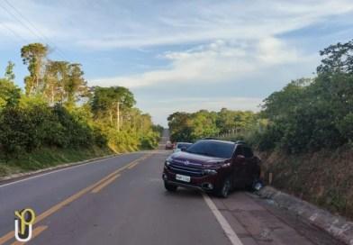FAMÍLIA ESCAPA DA MORTE AO COLIDIR COM CARRETA NA BR 174 EM PRESIDENTE FIGUEIREDO
