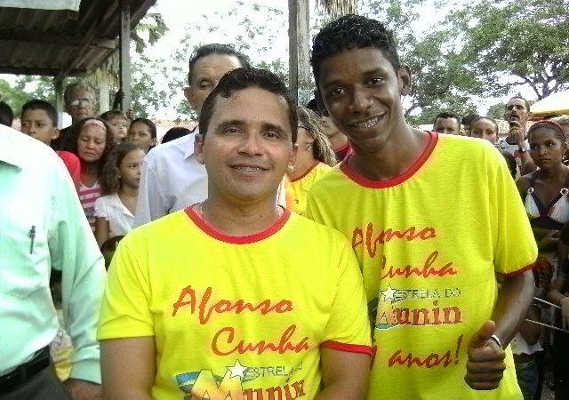 AFONSO CUNHA COMPLETA 49 ANOS COM GRANDE FESTA