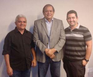 "Américo de Sousa, Humberto Coutinho e o advogado Walkmar: recado dado aos ""companheiros"""