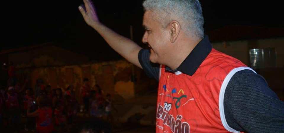 Ao sinalizar reforma administrativa, prefeito de Coelho Neto mira 2020…