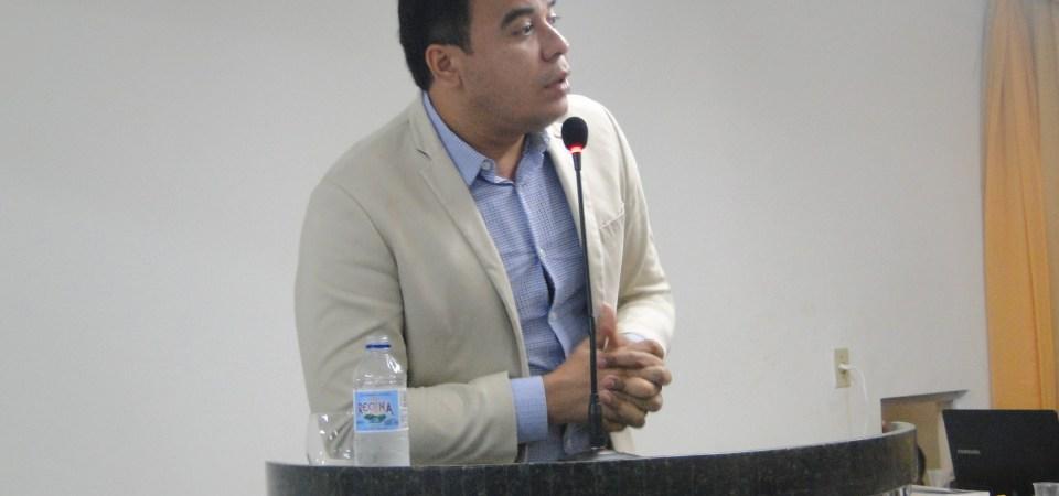 Moabe Branco denuncia descaso com pacientes de Coelho Neto que fazem tratamento em Teresina