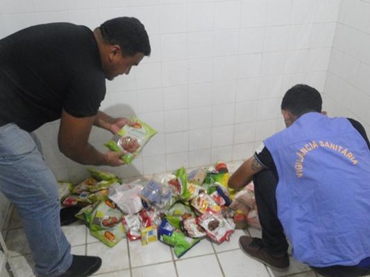 Vigilância Sanitária atua e recolhe produtos vencidos em comércios de Afonso Cunha