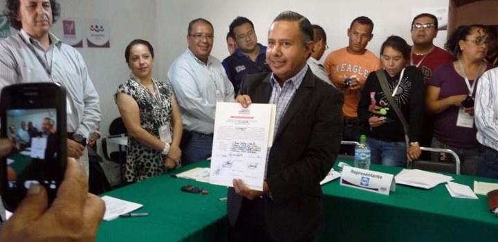 Recibió Edgar Castro constancia de mayoría para la presidencia capitalina