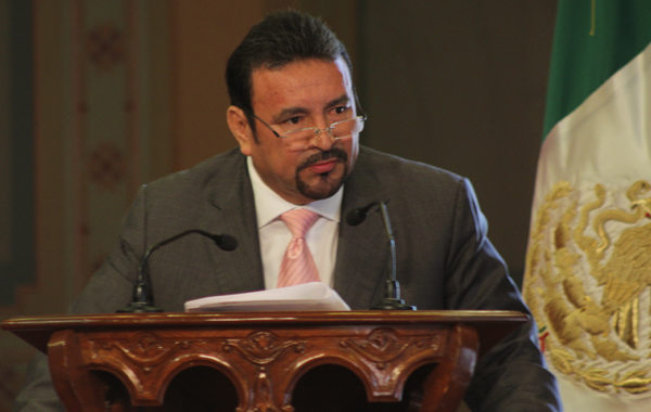Renuncia a sueldo, dirigente estatal del PRI