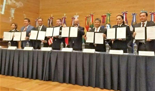 La UG firma convenio para apoyar al fortalecimiento de la Policía Federal