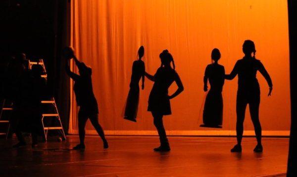 Compañía de las Artes de la UG une talentos en el escenario