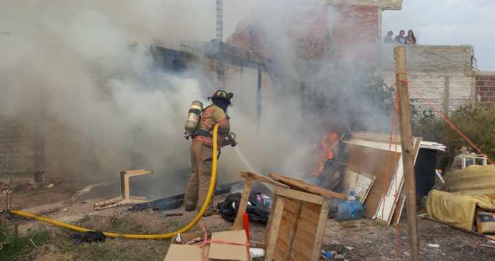 Se quema vivienda de pepenadores