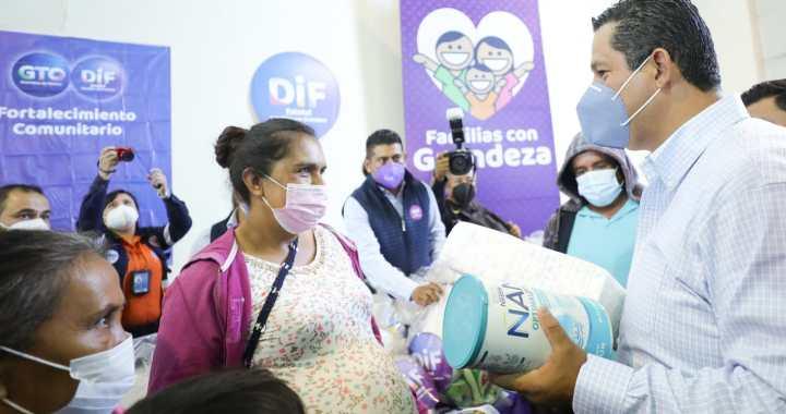 Damnificados de Abasolo reciben apoyos por la administración estatal