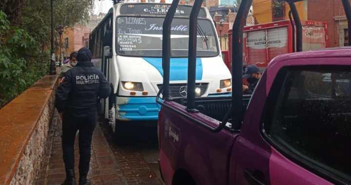 Acusan de hostigamiento a otro operador del Transporte Público