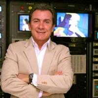 Murilo Fraga, diretor do SBT, tira sarro do Jornal da Record no Twitter