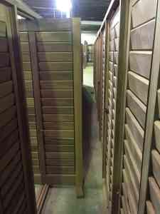 veneziana-articulada-palheta-móvel-esquadrias-de-madeira-pivotante-janelas-SC