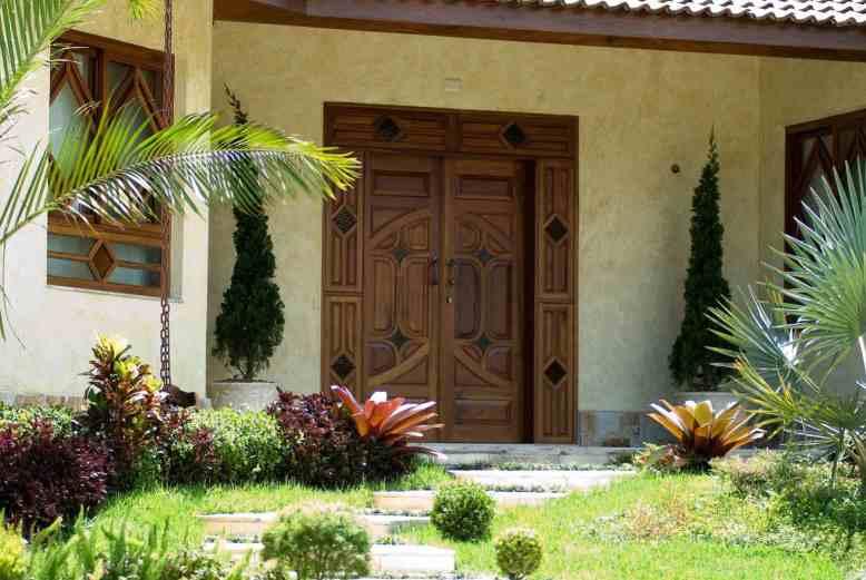 Portas Decorativas - Esquadrias de Madeira