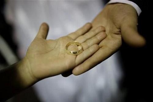 Homem Pede Divórcio Porque A Esposa Não Geme Na Cama Durante O Acto...