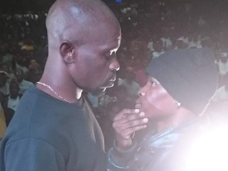 """A batalha entre o rapper moçambicano Kadabra Mc e o gladiador angolano Paizão tornou-se recentemente na mais vista de todos os tempos no canal """"Reis do Rompimento Primeira Liga"""