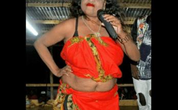 A cantora moçambicana residente na capital do país, Melancia de Moz esta sendo vitima de duras criticas por parte da sociedade devido ao seu uso excessivo dos cosméticos para disfarçar a idade