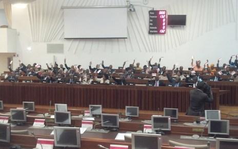 A Renamo boicotou, hoje, a sessão plenária da Assembleia da República, como forma de manifestar-se contra a Conta Geral do Estado relativa a 2015, aprovada hoje pela maioria da Frelimo