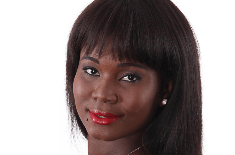 """A ex participante do reality show Big Brother Angola """"Duplo Impacto"""", Cremilda Costa morreu na madrugada deste domingo (28), vitima de acidente de viação."""