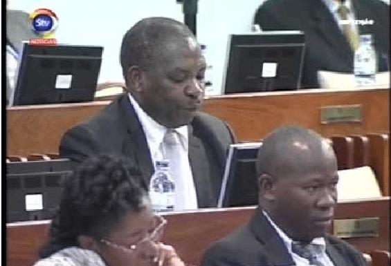 Deputado Muchanga volta a trocar mimos na Assembleia da República