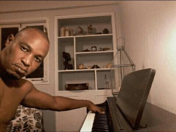 O rapper moçambicano Flash Enccy usou as redes sociais para deixar mais uma das suas reflexões, desta Flash destacou o ser mulher.
