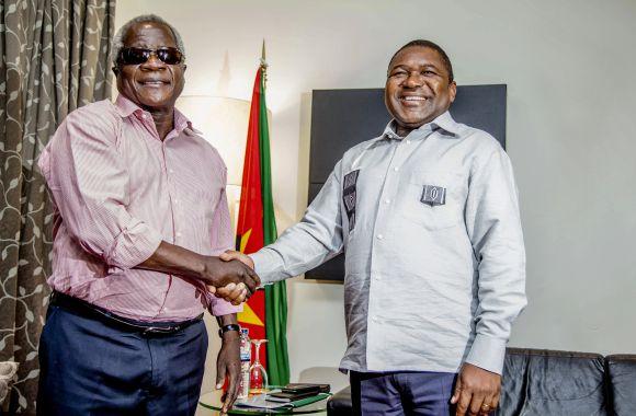O Presidente da República, Filipe Nyusi, apela aos moçambicanos a manterem-se vigilantes contra os oportunistas que procuram, a todo o custo, inviabilizar os esforços de busca de uma paz efectiva