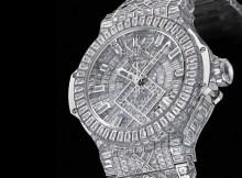 Eduane Danilo dos Santos gastou 500 mil euros por um relógio num leilão contra a sida em Cannes. O momento foi registado em vídeo