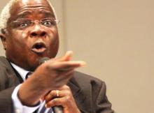 Dhlakama acusa a Frelimo de ser culpada na compra de Mercedes para Deputados, a Frelimo é responsável pela aquisição das 18 viaturas de marca mercedes Benz.