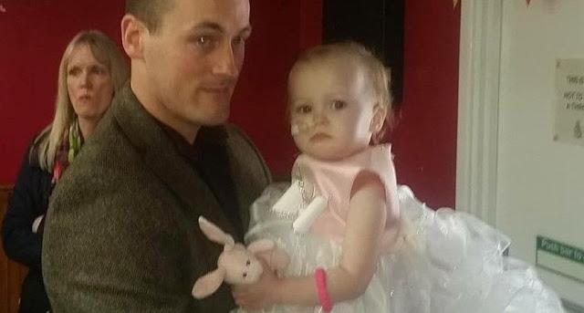 Pai Se Casa Com Sua Própria Filha De Apenas 1 Ano E Quatro Meses