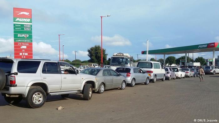 Gasolina mais barata a partir de amanhã no país