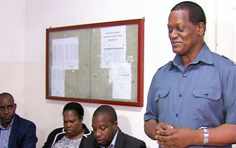 Rosário Fernandes suspende chefe das Finanças do INE da Cidade de Maputo, Reivindicações de recenseadores levam à suspensão do gestor das finanças do censo