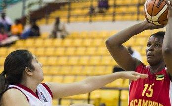 """A selecção nacional de basquetebol sénior feminino perdeu, esta tarde, diante do Egipto por 91-70 em jogo da quinta jornada do grupo """"B"""" do """"Afrobasket""""."""