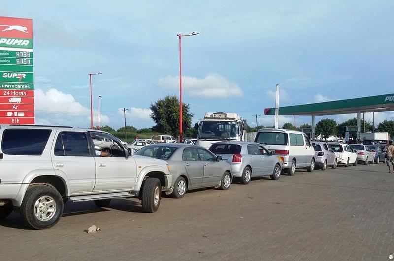 O Ministério dos Recursos Minerais e Energia vai ajustar os preços de combustíveis e outros produtos petrolíferos à partir de amanhã, dia 16 de Agosto de 2017