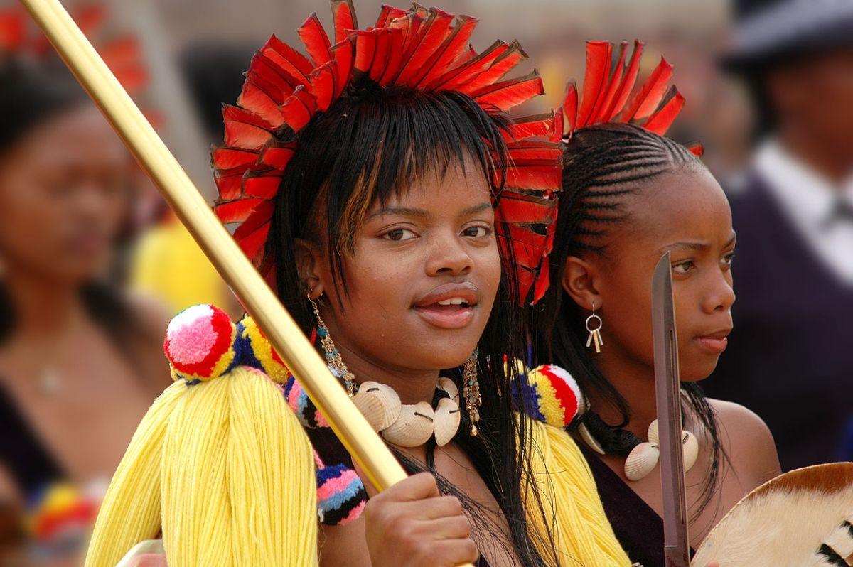 Rei Mswati Se Casa Com Uma Virgem De 19 Anos Conta Com 14ª Esposa - Arquivo