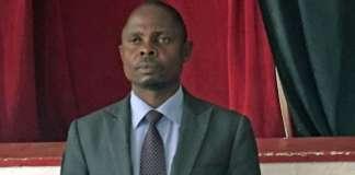O presidente interino do Município de Nampula, Manuel Tocova, vem recebendo uma chuva de insultos nas redes sociais depois ter sido publicado o vídeo onde o mesmo aparecendo discursando