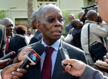 Ministro da Economia e Finanças Adriano Maleiane disse ontem à Assembleia da República que «a posição do governo é que queremos motivar os funcionários