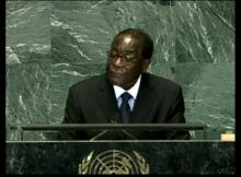 Com uma saúde frágil e um país em crise económica profunda, Robert Mugabe enfrenta pela primeira vez a revolta dos antigos companheiros de armas da luta pela independência.