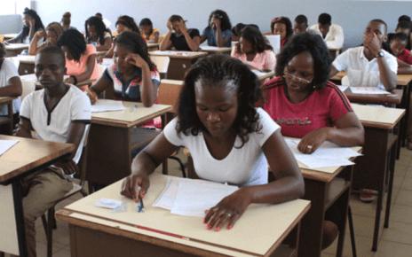 O Conselho Nacional de Exames, Certificação e Equivalência (CNECE) ordenaram a anulação de todas as provas finais dos 74 alunos indiciados de fraude no exame de Biologia da 12ª classe